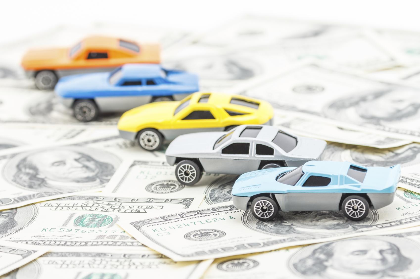 Auto pagate in valuta estera