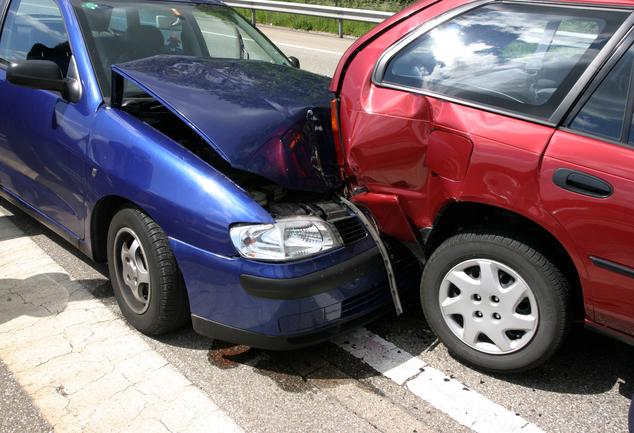 Scontro fra due auto